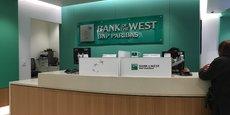 L'agence centrale de Bank of the West à San Francisco, au pied du siège de la filiale de BNP Paribas, a été la première à adopter la couleur de la maison-mère fin 2015. Les 537 agences, réparties essentiellement entre la Californie, le Colorado et l'Oregon, passeront au vert d'ici à la fin de cette année.