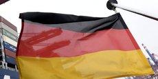 L'Ifo relève également que le gouvernement de coalition de la chancelière Angela Merkel, qui a été réélue la semaine dernière pour un quatrième mandat, a un effet temporairement positif sur le climat des affaires en raison de son programme d'investissements publics.