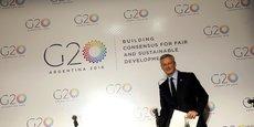 """Je suis là pour garantir la sécurité aux épargnants. Il y a un risque spéculatif évident. Il faut le regarder, l'examiner, et regarder comment (...) avec tous les autres pays membres du G20 nous pouvons réguler le bitcoin"""", avait déclaré Bruno Le Maire en décembre, sur LCI."""