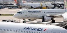La direction prévoit de présenter, en juillet, un nouveau plan stratégique dont certains volets structurels, comme l'extension du périmètre de Transavia France au-delà de la limite actuelle de 40 avions, nécessitent un accord avec le Syndicat national des pilotes.