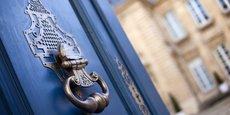 Avec des prix records, l'investissement dans l'immobilier parisien connait un réel engouement.