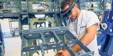 Airbus utilise de nombreuses technologies numériques dans la production et pour la formation. Ici, des lunettes de réalité augmentée.