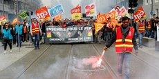 Personne ne peut comprendre que les syndicats de cheminots engagent une grève longue et pénalisante alors que le gouvernement est dans le dialogue, a estimé dimanche dans Le Parisien la ministre des Transports, Elisabeth Borne.