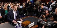 Convoqué par les sénateurs et représentants américains, Mark Zuckerberg à son arrivée au Congrès des Etats-Unis, mardi 10 avril. Facebook cumule les polémiques. Avant le scandale Cambridge Analytica, il avait été accusé d'avoir favorisé la victoire de Trump avec la création de bulles idéologiques. Ce phénomène de filtre permet de voir les informations identifiées comme conformes aux idées de l'utilisateur, lequel se retrouve ainsi « enfermé » dans un cercle de pensée, sans débat idéologique.