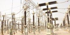 Poste de transformation du barrage de Shiroro (poste source) au Nigeria, avant l'acheminement de l'électricité sur le réseau de distribution.