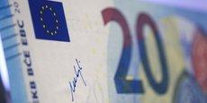 ZONE EURO: HAUSSE INATTENDUE DU MORAL DES CONSOMMATEURS