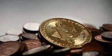 Les sites Internet proposant de faux bitcoins sont extrêmement bien faits. Les épargnants ont l'impression que les cours montent ou descendent, mais en réalité il n'y a rien du tout derrière, aucun investissement met en garde la directrice des relations avec les épargnants de l'AMF.