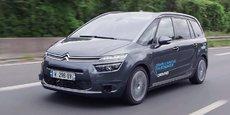 Le chantier de l'intelligence artificielle est colossal puisqu'il donnera, à qui la maîtrisera, la main sur un nouvel univers de services autour des mobilités mais également des contenus. Selon certains analystes, c'est sur ces deux piliers que la valeur va se déplacer dans les quinze prochaines années, en laissant peu à la voiture en tant qu'objet. (Photo : une Citroën Picasso autonome en cours d'expérimentation.)