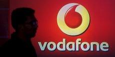 Vodafone a publié des résultats annuels de bonne facture avec un retour au bénéfice en l'absence de dépréciations en Inde qui avaient causé de lourdes pertes un an plus tôt.