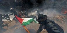 Des dizaines de milliers de Palestiniens ont protesté contre le déménagement de l'ambassade américaine à Jérusalem.