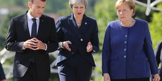 Emmanuel Macron, Theresa May et Angela Merkel au sommet de l'Union européenne et des Balkans, à Sofia, le 17 mai, tentent de serrer les rangs.