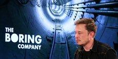 Le magnat des transports électriques, Elon Musk (ici lors de la conférence donnée hier à Los Angeles) veut que ces tunnels puissent servir à l'un de ses autres projets, Hyperloop, des capsules qui circuleraient à basse pression et à très grande vitesse (Nous visons (près de) 500 kilomètres heure, a assuré le l'homme d'affaires qui a créé les voitures électriques Tesla et les fusées Space X.