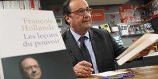 Pendant plus de cinq heures, François Hollande a enchaîné selfies et dédicaces.