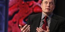 Elon Musk pense que sa plateforme contribuerait à restaurer la crédibilité des médias. D'après des documents officiels, le nom Pravda Corp a été déposé en octobre dernier auprès de l'État de Californie par un associé de Musk. (Photo : Elon Musk, en 2015, au Congrès mondial de l'automobile, à Detroit)