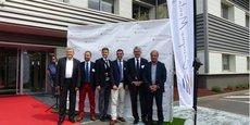 Les dirigeants d'Essoco, de Sofralab et les élus présents lors de cette inauguration