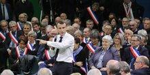 Emmanuel Macron, Grand débat