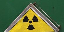 nucléaire, déchets radioactifs, centrale, démantèlement, dépollution, train, compteur Geiger,