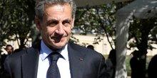 Sarkozy revient mais assure etre sans ambition