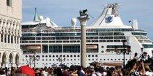 L'italie adopte un plan pour eloigner les paquebots de venise
