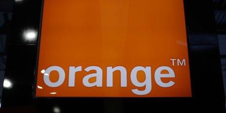 Orange: la hausse des ventes ralentit au troisieme trimestre, objectifs confirmes