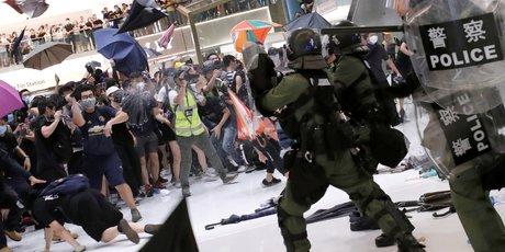 Heurts a hong kong lors d'une manifestation anti-pekin, 40 arrestations