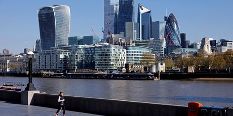 Londres signale sept morts, 1.907 contaminations