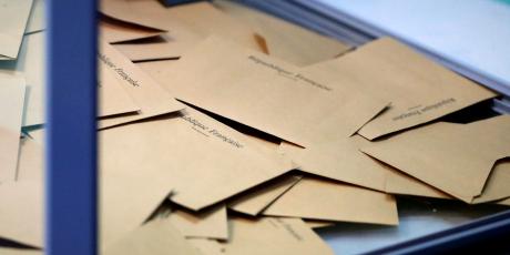 Urne vote présidentielle france enveloppe