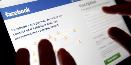 Facebook recrute 3.000 modérateurs pour lutter contre les contenus violents