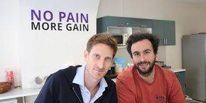Alexandre Prot et Steve Anav, les deux cofondateurs de la néobanque Qonto, qui signe la plus grosse levée de la fintech française avec un tour de table de 104 millions d'euros.