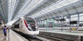 En un an, 5,5 millions de voyageurs ont effectué le trajet Bordeaux-Paris sur la nouvelle ligne à grande vitesse, selon la SNCF, soit une hausse de 50 % en un an.