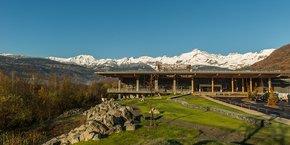 Le mountain store de Quechua à Passy (Haute-Savoie) fait face au Mont Blanc.