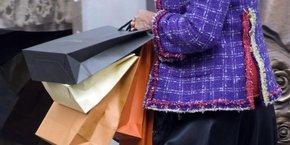 La crise du marché de l'habillement serait en cause avec la concurrence de géants comme Zara, H&M ou Primark mais aussi le changement des comportements d'achats, notamment avec le shopping en ligne.