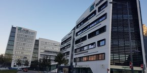 Le Crédit Agricole Sud Rhône Alpes s'est implanté dans le quartier de la Presqu'île, qui héberge déjà des structures comme le CEA de Grenoble, le campus GIANT ou encore Schneider Electric.