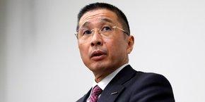 Les qualités diplomatiques de Thierry Bolloré pourraient ne pas suffire face aux difficiles négociations promises par Nissan, et son patron, Hiroto Saikawa (ci-dessous en photo, lundi 19 novembre lors de sa conférence de presse).