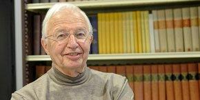 Jean-Marie Lehn, prix Nobel de chimie en 1987, a fondé l'Institut de science et d'ingénierie supramoléculaires (ISIS) à Strasbourg en 2002. L'extension en cours mobilisera 17 millions d'euros, sur fonds publics.