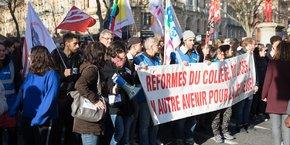 Un millier de profs et d'élèves ont défilé mardi dans les rues de Toulouse.