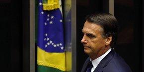 Flavio Bolsonaro, l'un des fils du président brésilien aurait reçu sur son compte bancaire, en juin et juillet 2017, 48 dépôts d'une valeur totale de 96.000 réais (environ 30.000 dollars au taux de change actuel)