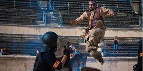 La web-série met en scène un gladiateur projeté dans le Nîmes d'aujourd'hui