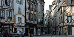 Comme Bordeaux Métropole, la communauté urbaine du Grand Poitiers se démarque par un solde naturel dynamique.