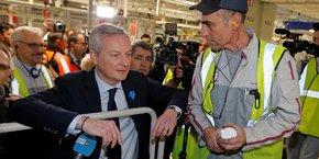 Bruno Le Maire, ministre de l'Économie et des Finances, lors d'une visite de la chaîne de montage du DS7 Crossback de Citroën chez PSA à Sausheim, près de Mulhouse (Alsace), fin février.