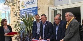 G. d'Ettore (Hérault Méditerranée), entouré des officiels présents à l'inauguration