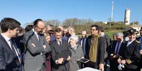 Édouard Philippe inaugure une antenne 4G dans le Gers.