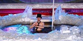 Lors du Polar Bear Pitching organisé à Oulu en mars dernier, 13 startuppers immergés dans une eau glacée ont eu quelques minutes pour défendre leur projet et tenter de remporter 10.000 euros.