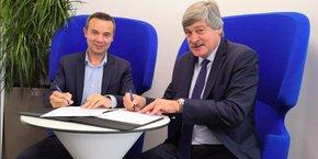 F. Salles (French Tech Med) et P. Chauvois (BPS) lors de la signature d'une convention de partenariat, le 18 avril, à Sud Innovation