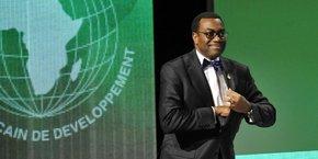 « L'engagement et le soutien du Canada représentent un énorme coup de pouce à l'institution. La Banque sera en mesure de renforcer sa notation triple A et d'augmenter les prêts qu'elle octroie à ses pays membres parallèlement aux discussions en cours entre tous les actionnaires en vue d'une augmentation générale du capital », a commenté le président de la BAD, Akinwumi Adesina.