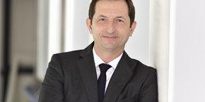 Renaud Camus, Suez