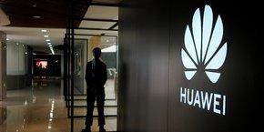 selon le Wall Street Journal, les conclusions de cette enquête ont appuyé la décision de l'administration Trump de placer Huawei sur liste noire.
