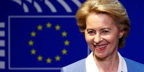 Pour devenir la présidente de la Commission, l'actuelle ministre allemande de la Défense, une chrétienne-démocrate proche d'Angela Merkel, devra obtenir la majorité absolue des membres du Parlement, soit au moins 374 voix sur les 747 siégeant actuellement (sur un effectif théorique de 751).