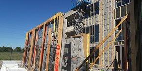 Le 1er chantier de rénovation énergétique des bâtiments avec le concept MIREIO a démarré début juillet à Castelnau-le-Lez, sur la zone Mermoz.