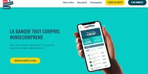Dans un bureau de poste parisien, seul un dépliant affiché à l'espace bancaire fait la promotion de l'offre mobile Ma French Bank.